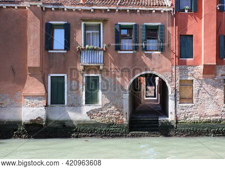 Typical Venetian Houses With The I Do On The Navigable Channel Is Under Porch That Leads To Other Sm