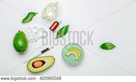 Face Mask For Skin Care Made From Avocado. Beauty Product Natural Organic Cosmetics Avocado Oil, Ess