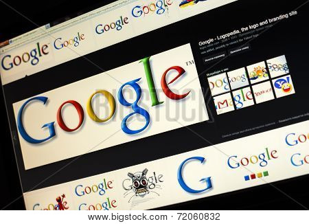 Belgrade - Januar 29, 2014: Google Image Search For Google Logo Photos On Pc Screen
