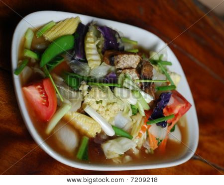 fried vegetables with fish