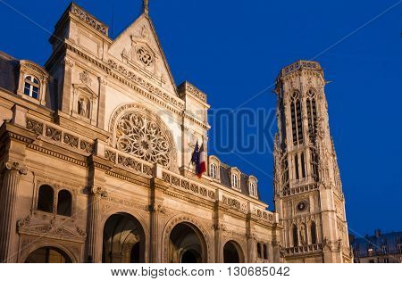 The town hall of the 1st district of Paris is a striking eclectic building where neo-Renaissance French Renaissance and Flamboyant Gothic architectural features beautifully blend.