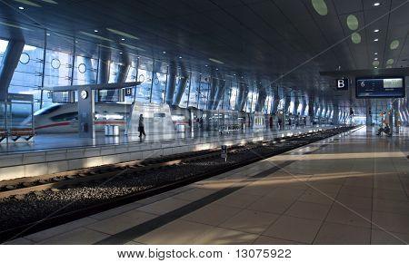 A crowded trainstation