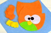 Torso, wings, paws from the felt owl toy. How to make toy poster