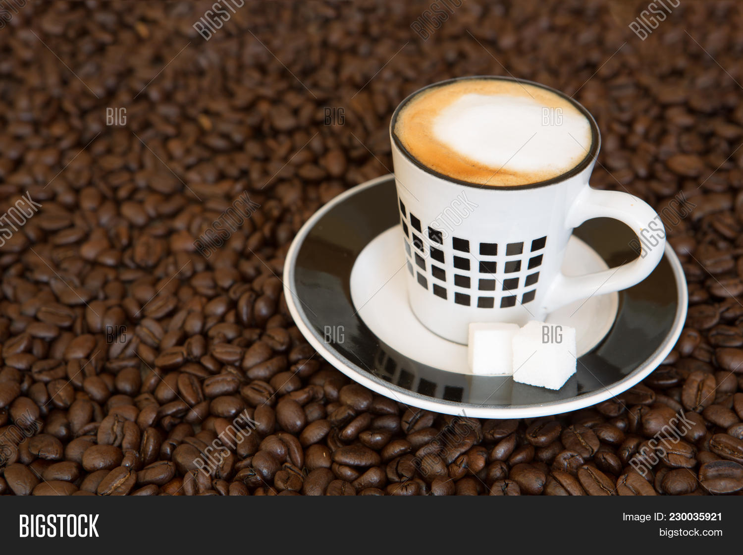 espresso beans roasted coffee powerpoint template - espresso beans, Coffee Presentation Template, Presentation templates