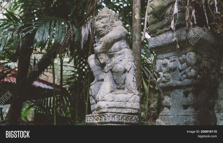 Traditional Thai Image & Photo (Free Trial)   Bigstock