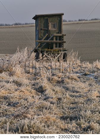 Hunting Seat On A Misty Frosty Morning With A View Over Fields