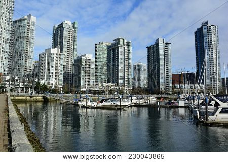 Yaletown,vancouver Bc,canada.february 18th 2018.high End Real Estate Condominiums In Yaletown Distri