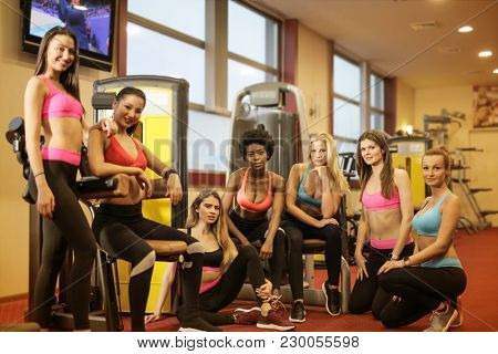 Group of sporty girls
