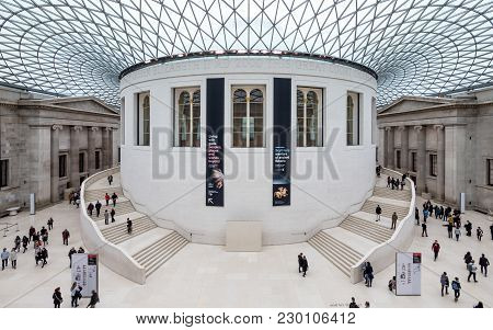 London, Uk - 14 November 2017: Wide Angle View Of Tourists And Visitors In The Great Court Of The Br