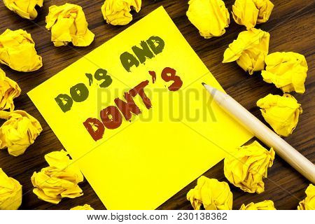 Word, Writing Do S And Do Not Donts. Business Concept For Guide Allowed Written On Sticky Note Paper