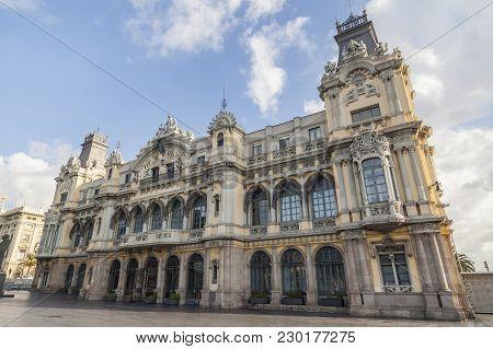 Barcelona,spain-september 7,2015: Architecture, Building In Port, Edificio De La Junta De Obras Del