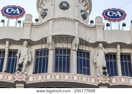 Barcelona,spain-december 26,2015: Detail Facade Old Almacenes El Siglo, General Store, Created In 19