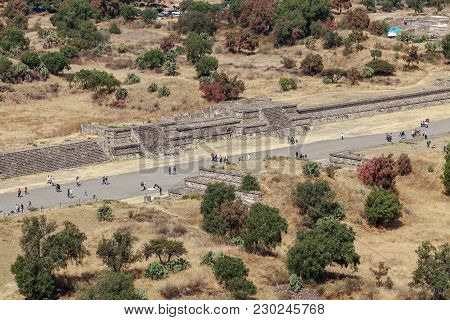 Tourists Go On The Road Of The Dead. Teotihuacan. Mexico City. Mexico
