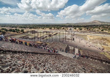People Climb The Pyramid Of The Sun. Teotihuacan. Mexico City Mexico