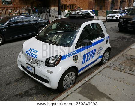New York - Sep 2017: Police Nypd Smart Car On The Manhattan, New York City