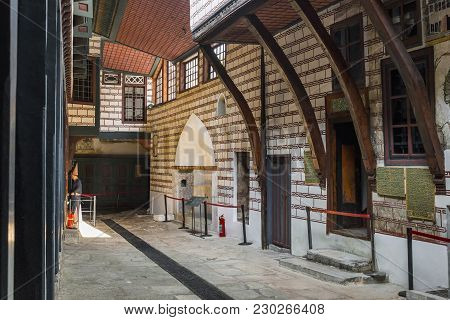 Istambul, Turkey - September 11, 2017: This Is Courtyard With Rooms For Low-ranking Female Slaves In