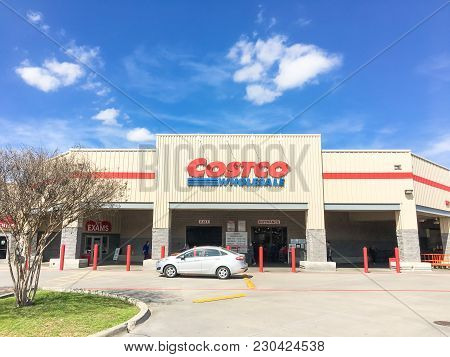 Entrance To Costco Wholesale Store In Lewisville, Texas, Usa