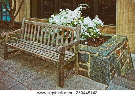 Washington Dc, Usa - May 2, 2015: Bench Is Located In The George Washington University In Washington