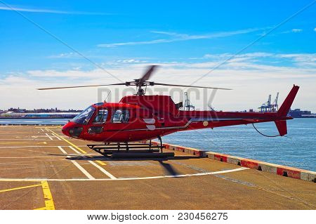 New York, Usa - April 25, 2015: Helicopters On Helipad In Pier 6 In Lower Manhattan, New York, In Th