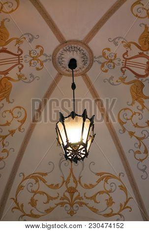 Vintage Lamp-post. Retro