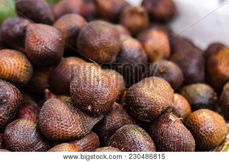 Exotic Snake Fruit (salacca Zalacca) Or Local Name Called Salak Display For Sell In Market.selective