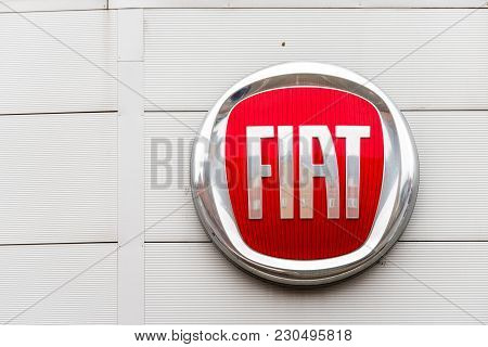 Northampton Uk February 03 2018: Fiat Logo Sign Stand In Northampton Town Centre.