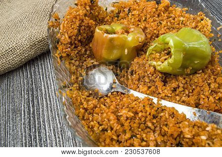 how to cook stuffed peppers with raw meat