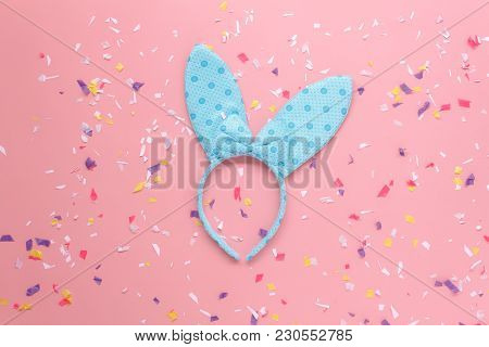 Table Top View Aerial Image Of Arrangement Decorations Happy Easter Holiday Background Concept.flat