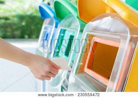 Women Hand Throwing Away The Garbage To The Bin/trash, Sorting Waste/garbage Before Drop To The Bin