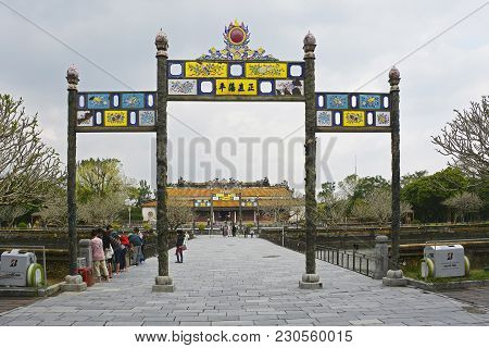 Hue, Vietnam - December 18th 2017. Tourists Visiting The Thai Hoa Palace, Also Known As Dien Thai Ho