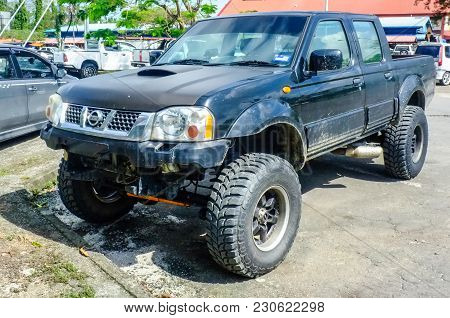 Kudat,sabah-feb 3,2018:view Of The 4wd Nissan Frontier 2004 Model Types Crew Cab In Kudat,sabah,mala