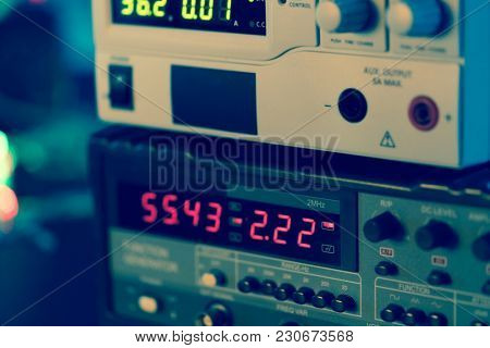 display of electronic measuring instrument