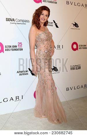 LOS ANGELES - MAR 4:  Hilary Roberts at the 2018 Elton John AIDS Foundation Oscar Viewing Party at the West Hollywood Park on March 4, 2018 in West Hollywood, CA