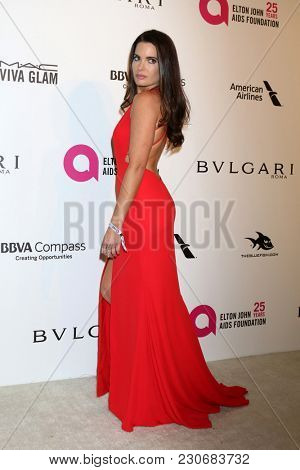 LOS ANGELES - MAR 4:  Jessica Uberuaga at the 2018 Elton John AIDS Foundation Oscar Viewing Party at the West Hollywood Park on March 4, 2018 in West Hollywood, CA
