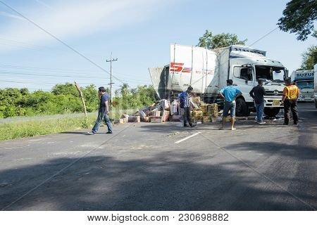 Southern Highway Thailand-sep 14, 2017 : The Truck Is Overturned On The Road. Truck Accident On Sout