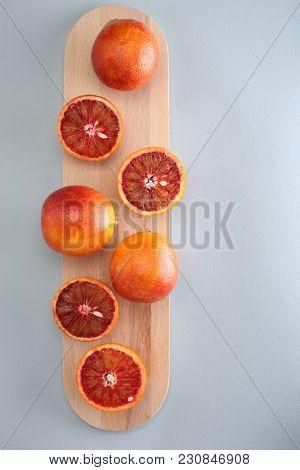 Cara cara navel oranges on a cutting board