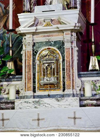 Altar Tabernacle In Marble And Baroque And Neoclassical Decorations