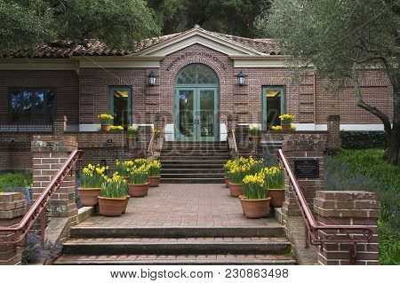 Woodside, Ca, Usa -march 8, 2018: Spring View Of Visitor Center Of Filoli Historic House & Garden