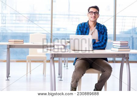 Student in telelearning distance learning concept reading in lib