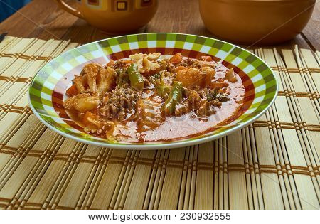 Beef And Tomato Macaroni Soup