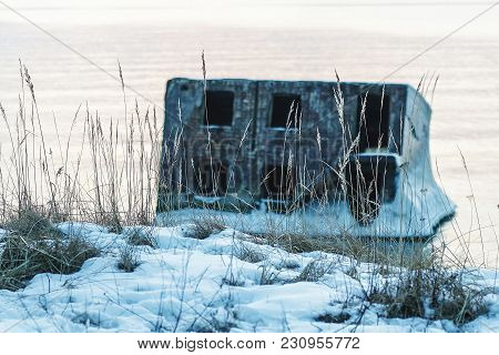 On A Cold Winter Day, The Collapsed Forts Have Been Frozen