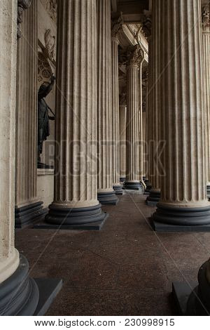 The Classical Colonnade, Ionic Order Columns Perspective