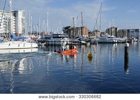 Eastbourne, Uk - August 5 2009: Sailing Yachts In Sovereign Harbour And Marina In Eastbourne East Su