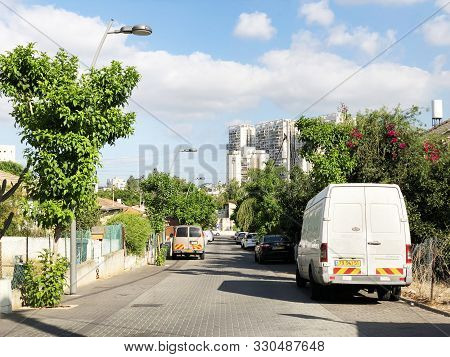 Rishon Le Zion, Israel  October 07, 2019: Modern Private Houses And Street  In Rishon Le Zion, Israe