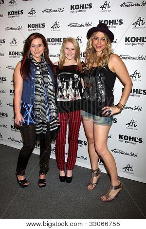 LOS ANGELES - MAY 16:  Skylar Laine, Hollie Cavanagh and Elise Testone  arrives at the American Idol's