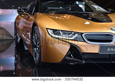 Nonthaburi,thailand - Dec 2, 2018: The New Bmw I8 Roadster 2018, Laser High-beam Mode. The Opthe Opt