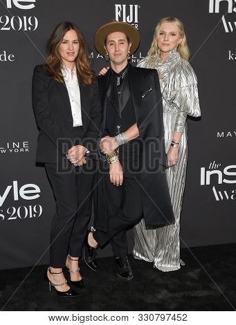 LOS ANGELES - OCT 21:  Jennifer Garner, Adir Abergel and Laura Brown arrives for the 2019 InStyle Awards on October 21, 2019 in Los Angeles, CA
