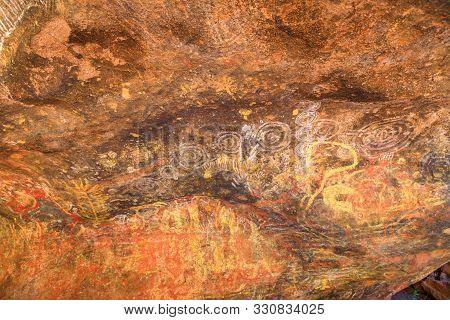 Uluru, Northern Territory, Australia - Aug 24, 2019: Aboriginal Rock Art In Mutitjulu Cave Or Kulpi