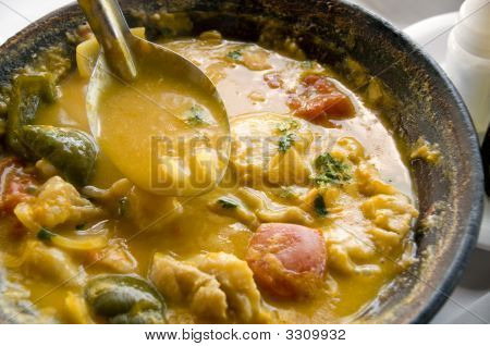 Fish Cook Pot, Shallow Dof