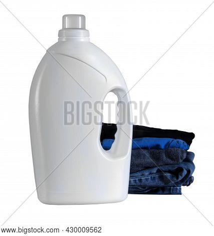 Mockup White Plastic Bottle Of Detergent, Powder, Conditioner, With Stack Folded Clothes. Blank, Tem